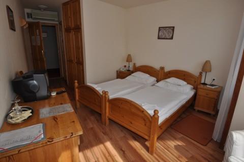 Hotel Goldener Hirsch - Zahnbehandlung Ungarn mit F. Oswald Consulting GmbH