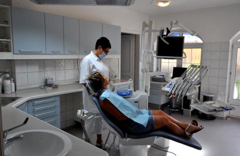 Pension Sonnental mit Zahnarztpraxis - Zahnbehandlung Ungarn mit F. Oswald Consulting GmbH